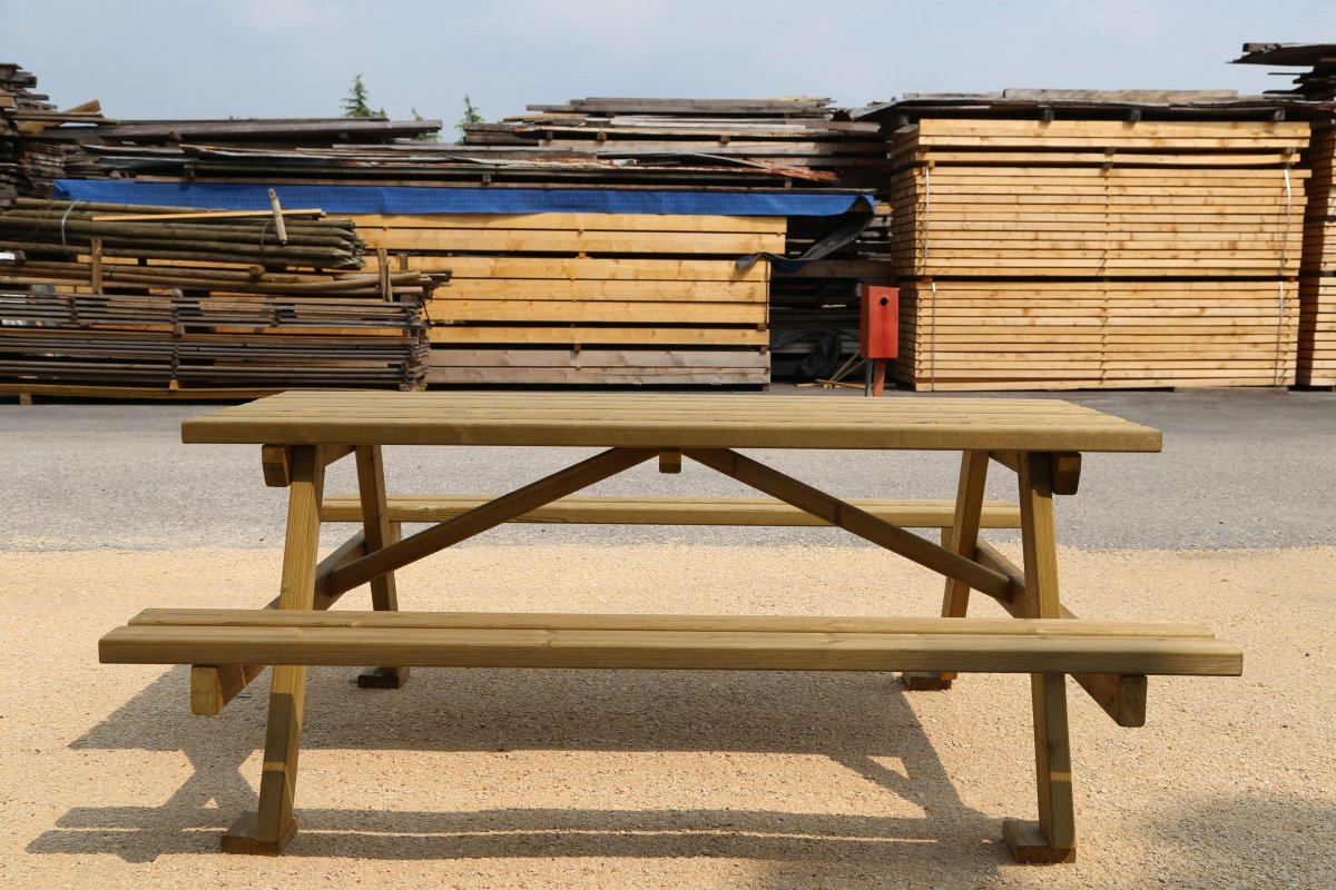 Panche tavoli e giochi da giardino lovato legnami - Tavoli in legno usati ...